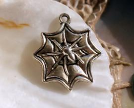 1 Bedel: Spin in Web - 22 mm - Antiek Zilver Kleur
