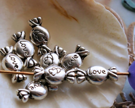 set/10 Beads: Candy Love Hearts - 11x6 mm - Antique Silver Tone Metal