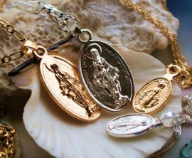 Hangertje aan Ketting: Maria Heilig Hart Jezus - Zilver kleur of Goud kleur in 2 formaten