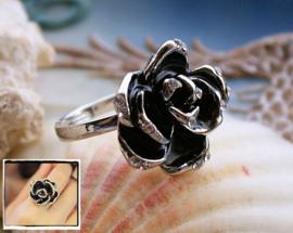 Ring: Roos - maat: verstelbaar vanaf 17 mm - Zilver/Zwart