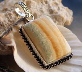Mooie Hanger: Agaat in Amber-tinten - Verzilverd - 51 mm