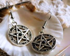 Paar Oorbellen: Pentagram met Zwarte Kristalletjes - Antiek Zilver kleur