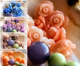 set/2 Mooie Gedetailleerde Kralen: Plexi Bloem - Roos - 10x8 mm - Diverse tinten