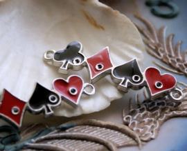 Hanger/Tussenstuk: Speelkaart Symbolen Poker Aas - 47x14 mm - Zwart Rood + Antiek Zilver kleur Metaal