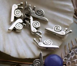 set/2 Kralen: Slak - 16x6 mm - Antiek Zilver Kleur