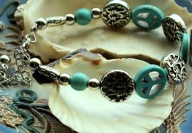 Armband: Peace - Turquoise Howliet + Antiek Zilver Kleur - Verstelbaar