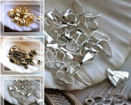 set/50 Clips/Haakjes voor Bedels - 7x2,5 mm - Zilver of Goud of Brons kleur