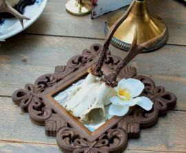 Reebok geweitje in Barok lijstje met zijden Orchidee