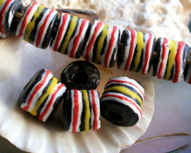 set/3 Grote Krobo TRADE BEADS - Handelskralen uit Ghana - Glas - ca 13x11 mm - Zwart Wit Rood Geel