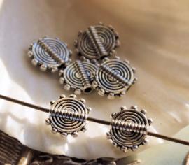 set/5 Kralen: Plat Rond met Cirkels - 10x8 mm - Antiek Zilver Kleur