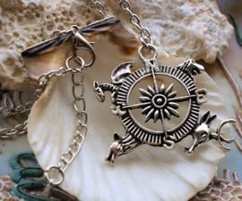 Game of Thrones Inspired Hanger met Ketting: Kompas 4 Houses - Antiek Zilver Kleur