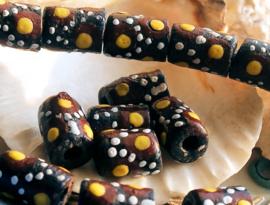 set/3 Krobo TRADE BEADS - Kralen uit Ghana - Glas - ca 12 mm - Zwart Bruin Geel Wit