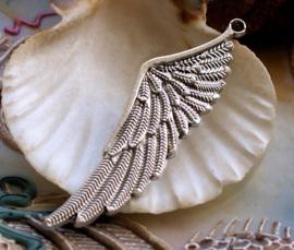 1 Hanger: Grote Engel of Elfen Vleugel - 60 mm - Licht Antiek Zilver Kleur