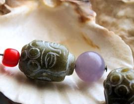 1 Grote Gedetailleerde Kraal: Boeddha - echt Xiu Jade - ca 18x13,5 mm - Groen