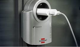 Brennenstuhl beveiligings adapter tegen overspanning 230V