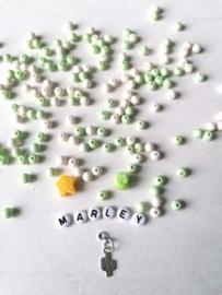 DIY naamarmband Groen/wit