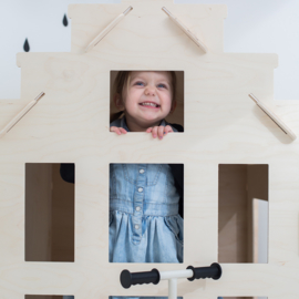 WOOL AND WOODIES PLAYHOUSE HEIGHT 120 CM