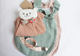 La Petite Alice - Linen Bib Light Pink