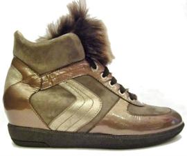 Brons sleehak sneaker met bont