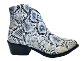 Pyton boot