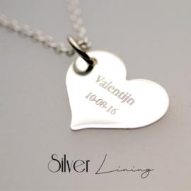 Zilveren hart met gravure