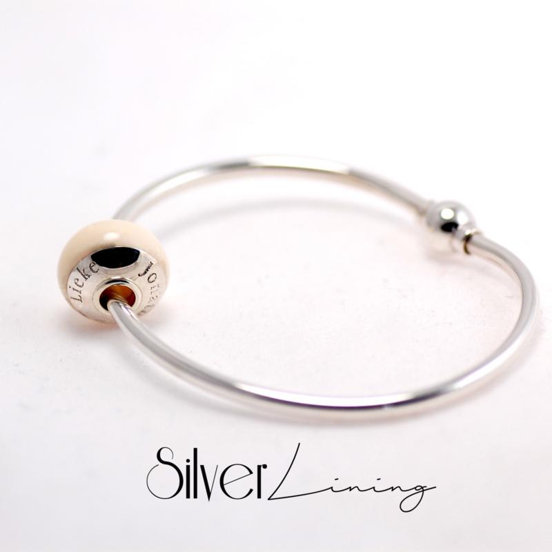 Massief zilveren, stijve armband voor moedermelkkraal