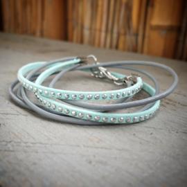 Omslag armband grijs met mint groen