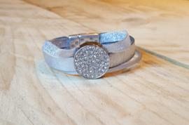 Leren Zilver kleurige armband met 3 banden