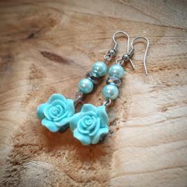 Oorbellen blauw met roosje