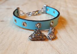 Blauwe leren armband met zilveren bedels
