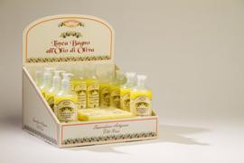 Display met producten olijfolie & citroen