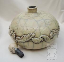 Zachtgroene rakugestookte urn