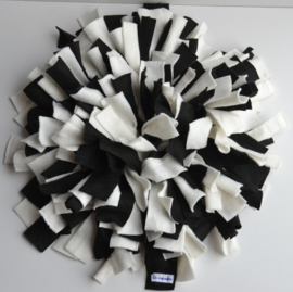 Snuffelmat rond  zwart-wit
