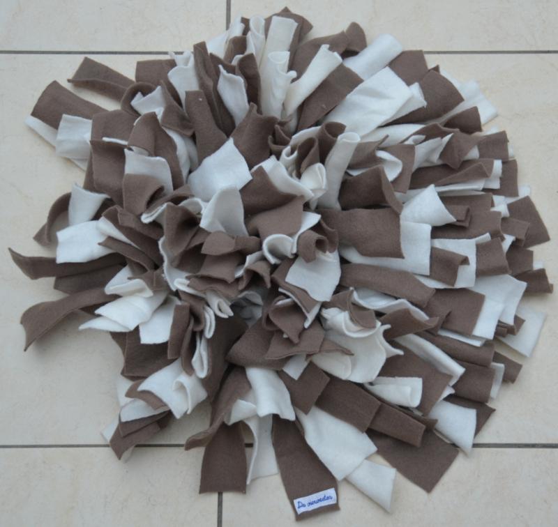 Snuffelmat rond bruin - wit