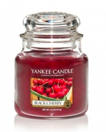 Yankee Candle - Black Cherry Medium Jar