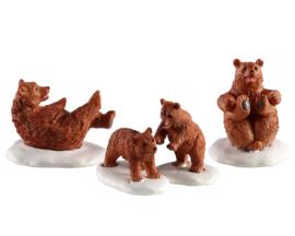 Bear Family Snow Day - NEW 2020