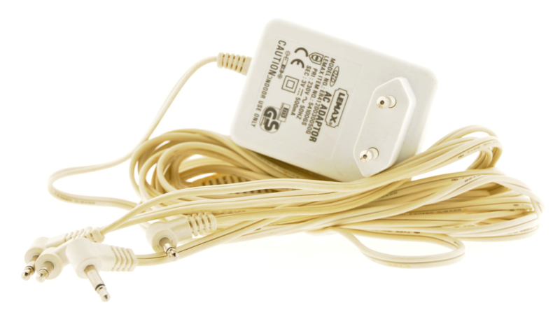 Ac Power Adaptor with 4 Output Jacks
