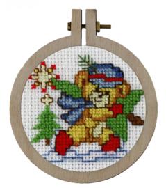 Kerstbeer kersthanger Aida Telpakket Pako