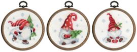 Kerstkabouters in de Sneeuw Aida Telpakket met Borduurringen Vervaco