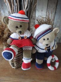 Funny Bears Rody & Amy Crochet Kit