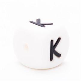 Letter K Siliconen kraal 12mm