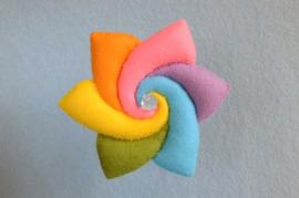Regenboogbloem pastelkleuren - Atelier Pippilotta