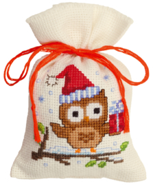 Kerstuil met pakje Kruidenzakje telpakket Vervaco