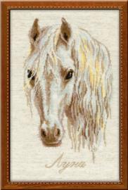 Luna (paard) Borduurpakket Riolis 827