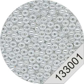 3001 White Rocailles Beads Le Suh