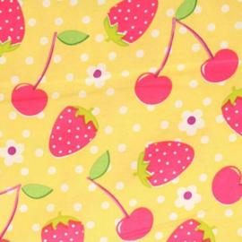 Aardbeien en Kersen gele stof - Tissu de Marie 100% polyester