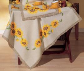 Zonnebloem voorbedrukt tafelkleed met aangestikte kant Vervaco