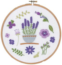 Lavendel Seizoen in Borduurring Vervaco Borduurpakket