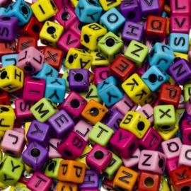 Gekleurde letterkralen