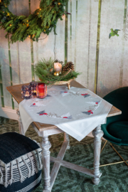 Hertje en konijn in sneeuwlandschap bedrukt tafelkleed VErvaco